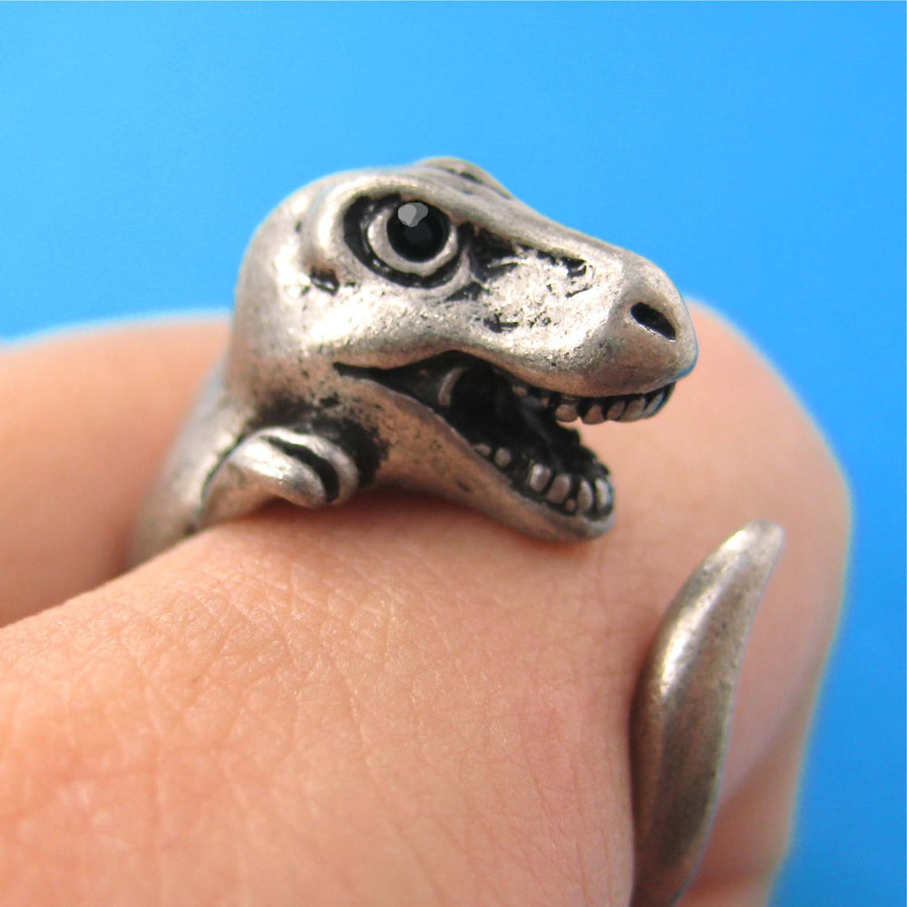 dinosaur-animal-wrap-around-hug-ring-silver