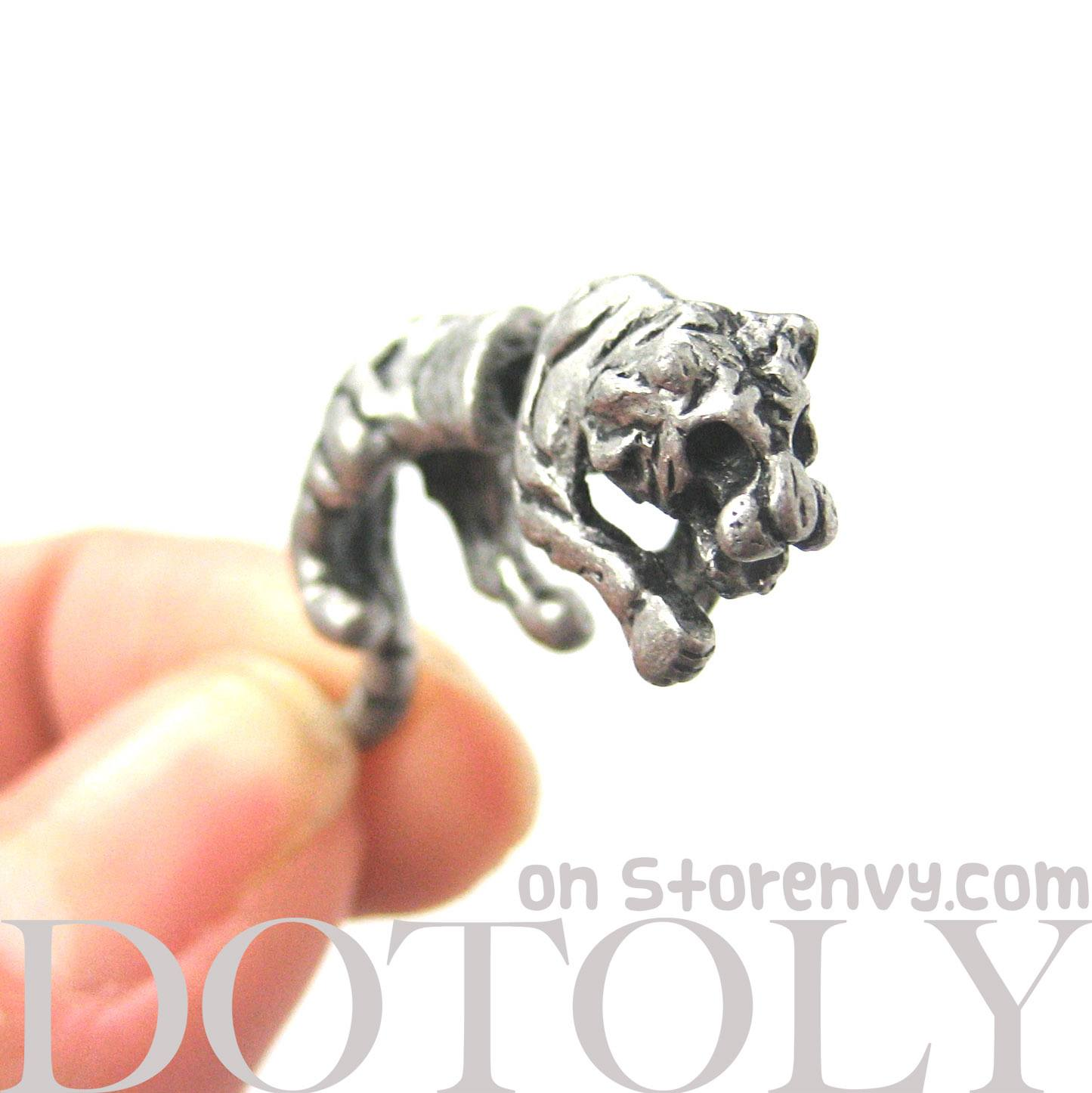 fake-gauge-earrings-realistic-tiger-cat-shaped-plug-earrings-in-silver