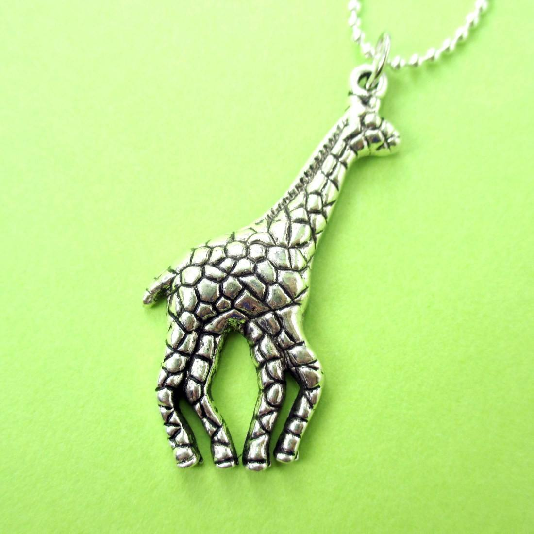 Abstract Giraffe Shaped Classic Animal Pendant Necklace in Silver