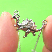 adorable-dinosaur-animal-pendant-necklace-in-silver-with-heart-detail-dotoly