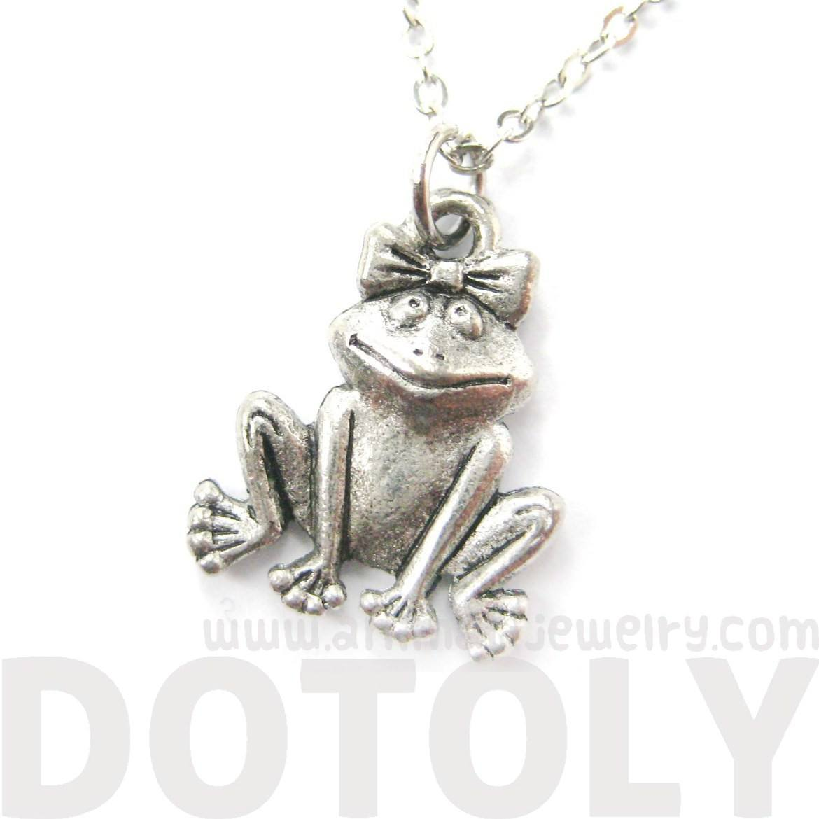Adorable Frog With A Bow Shaped Animal Charm Necklace | MADE IN USA