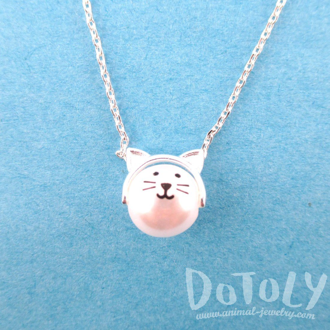 Adorable Kitty Cat Face Shaped Pearl Pendant Necklace in Silver