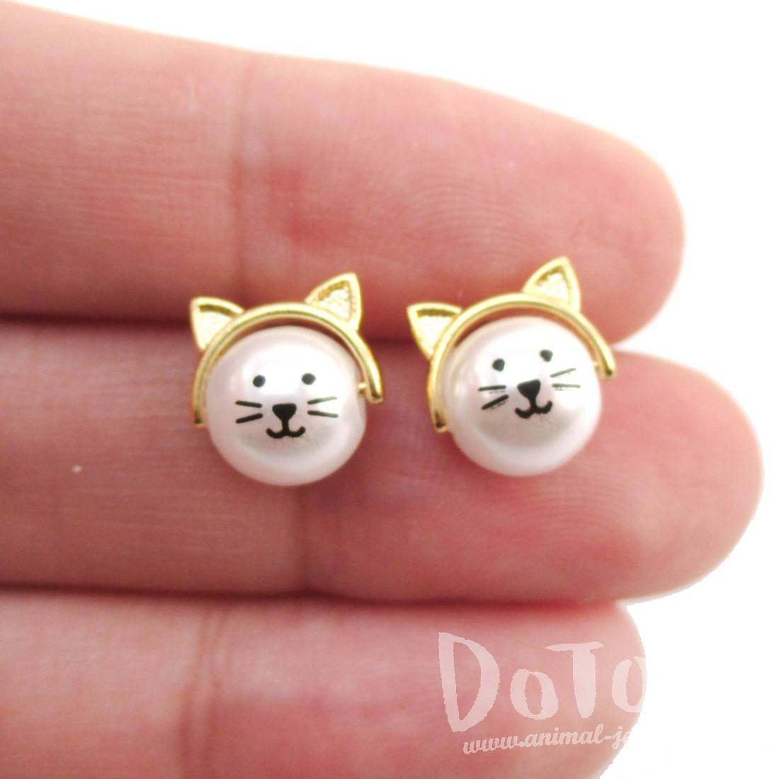Adorable Kitty Cat Face Shaped Pearl Stud Earrings in Gold | DOTOLY