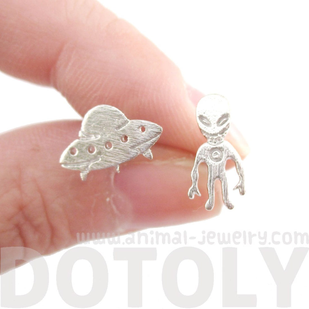 Alien and UFO Space Ship Shaped Stud Earrings in Silver