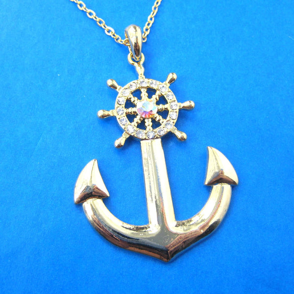 anchor-and-wheel-shaped-nautical-themed-pendant-necklace-in-gold-dotoly