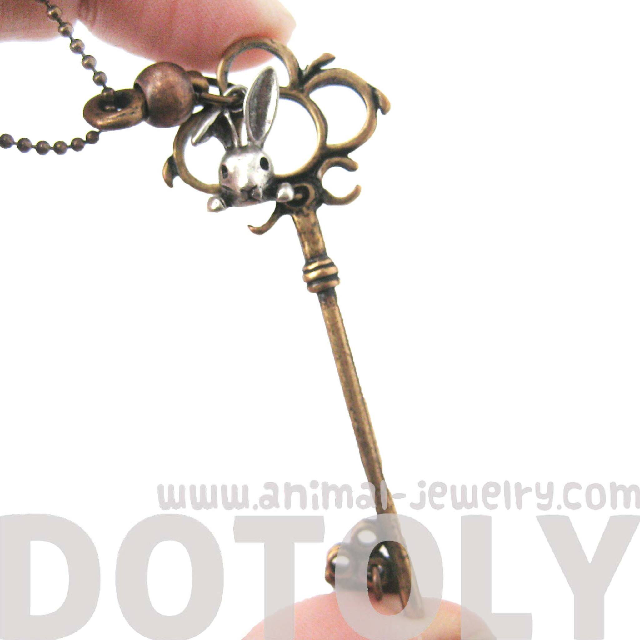 antique-skeleton-key-and-bunny-rabbit-charm-necklace-in-bronze-dotoly