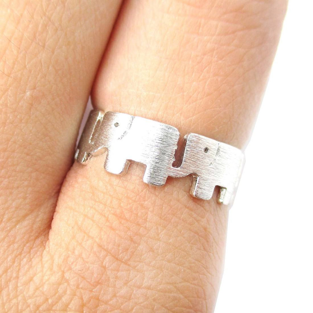 Baby Linked Elephant Parade Animal Ring in Silver | Animal Jewelry