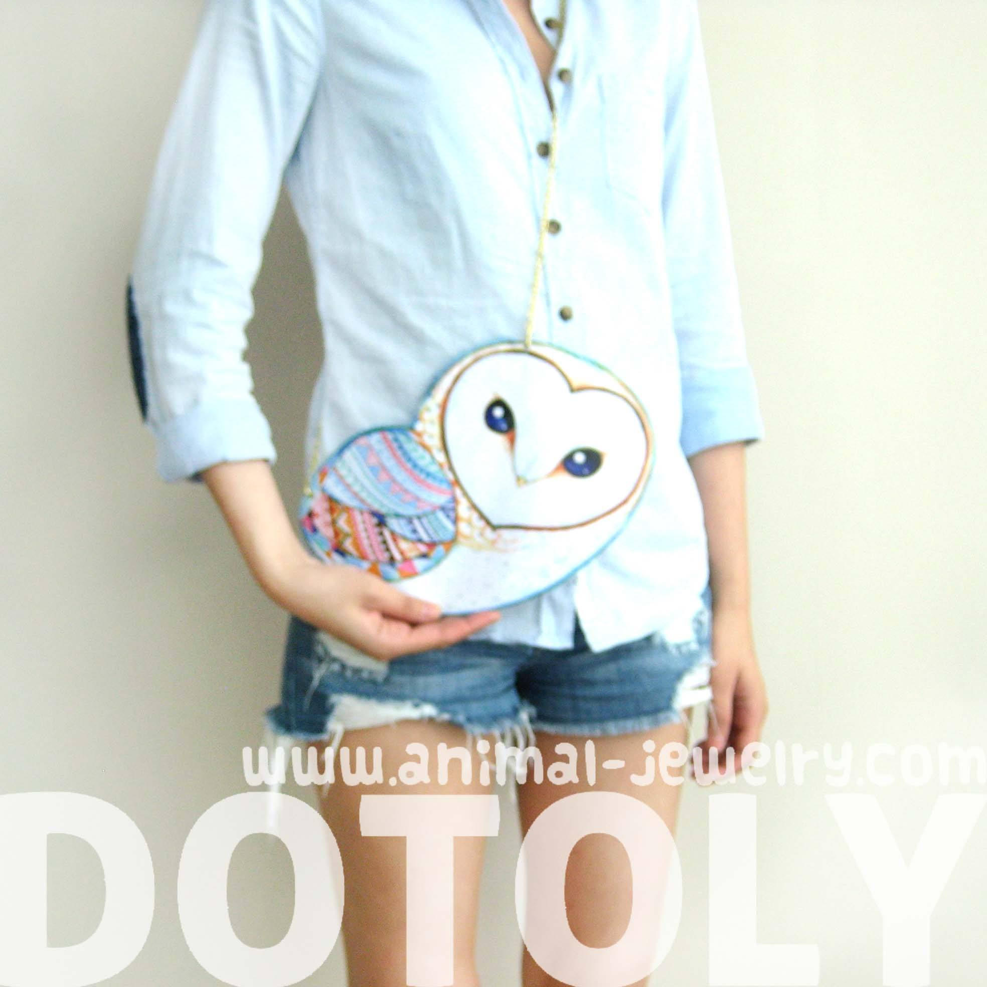 barn-owl-bird-shaped-vinyl-animal-themed-cross-shoulder-bag-in-white-dotoly