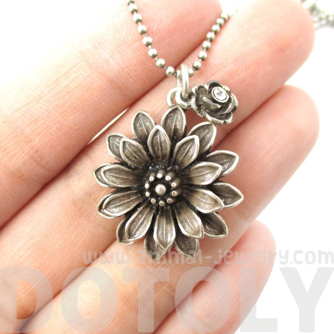 Beautiful Classic Dahlia Flower Floral Pendant Necklace in Silver
