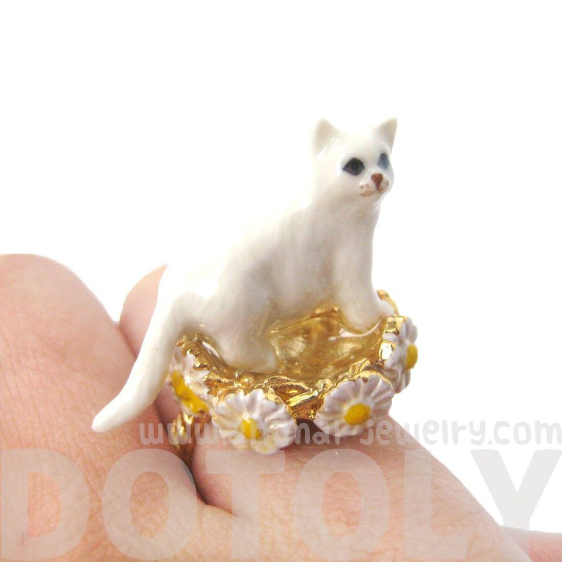 White Persian Kitty Cat Ceramic Porcelain Daisy Bordered Animal Ring