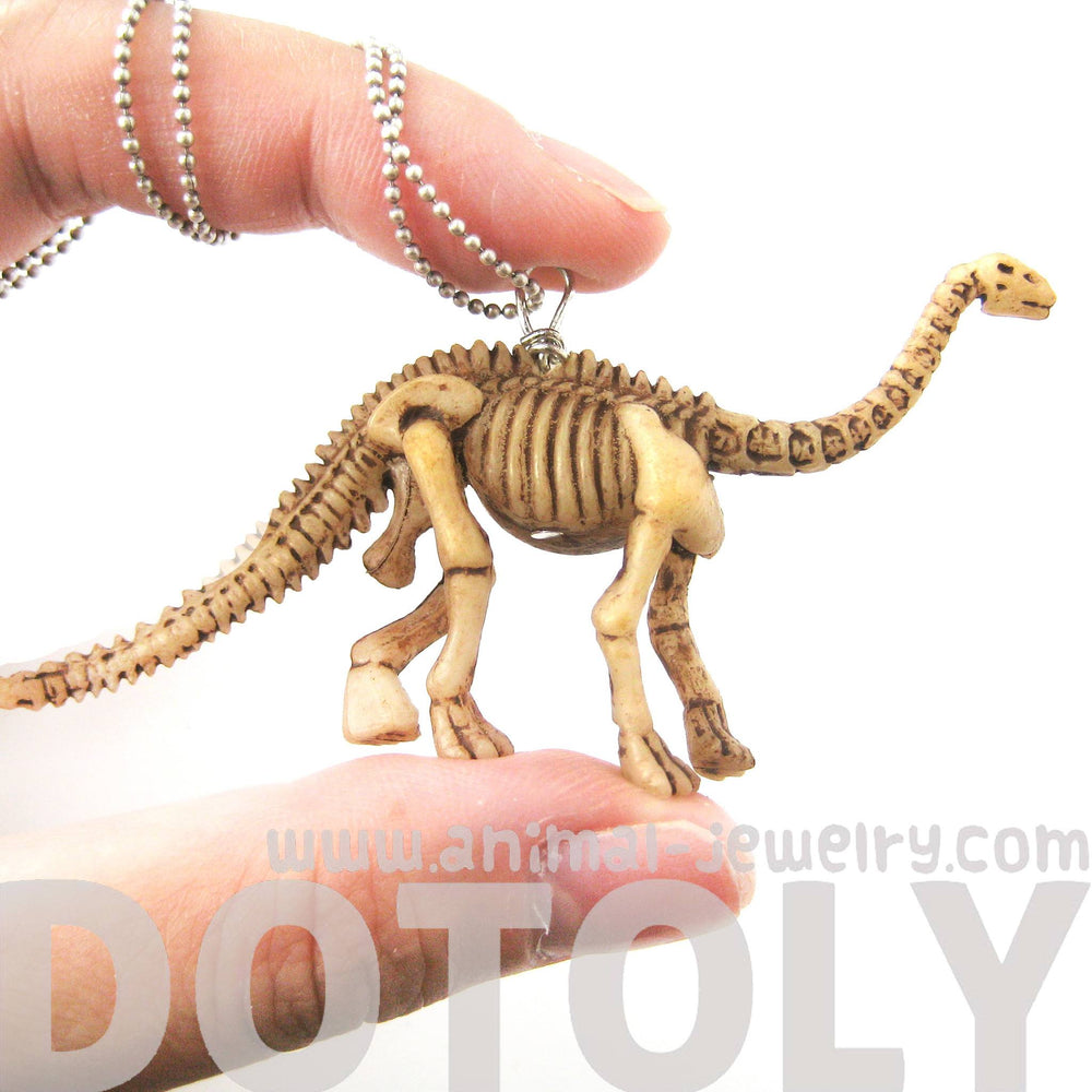 brontosaurus-long-neck-dinosaur-fossil-skeleton-pendant-necklace-animal-jewelry