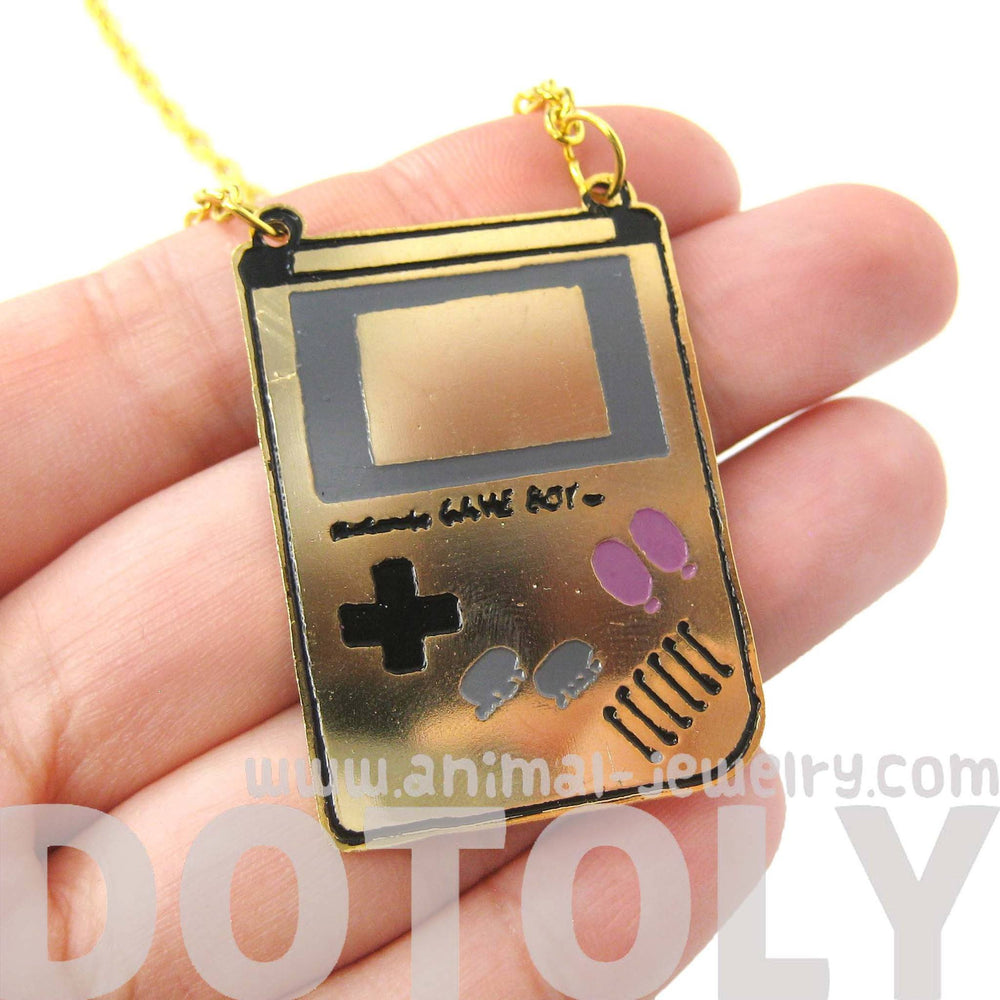 classic-nintendo-gameboy-console-shaped-pendant-necklace-limited-edition