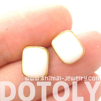 classic-rectangular-stud-earrings-in-white-on-gold-dotoly