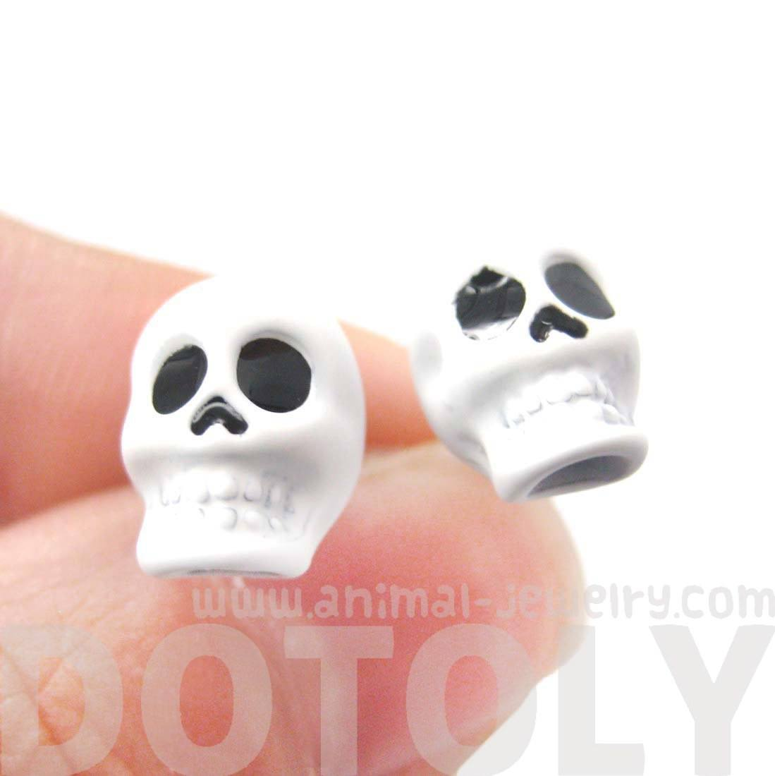 Classic Skull Shaped Skeleton Themed Unisex Stud Earrings in White
