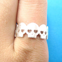 Connected Skeleton Skull with Hear Shaped Eyes Ring in Silver | DOTOLY