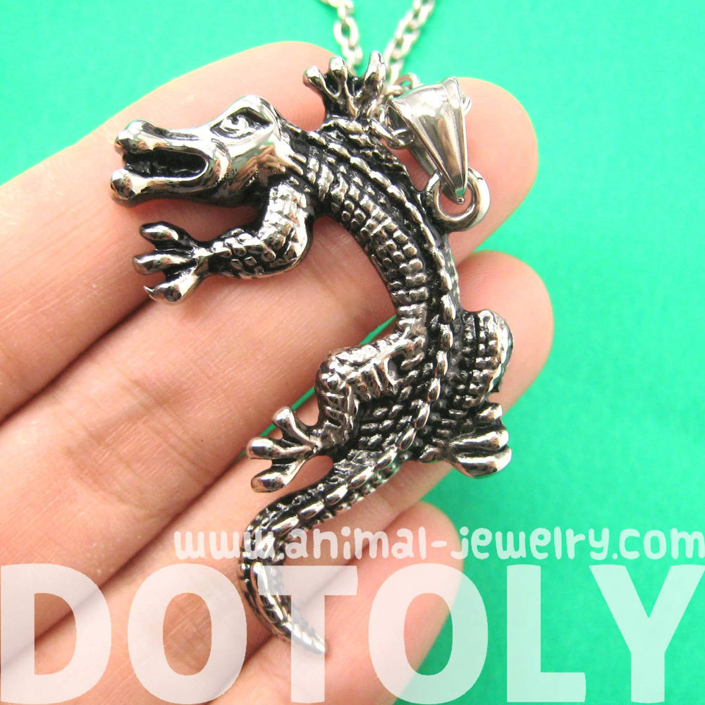 Alligator Crocodile Animal Pendant Necklace in Silver for Men and Women | DOTOLY