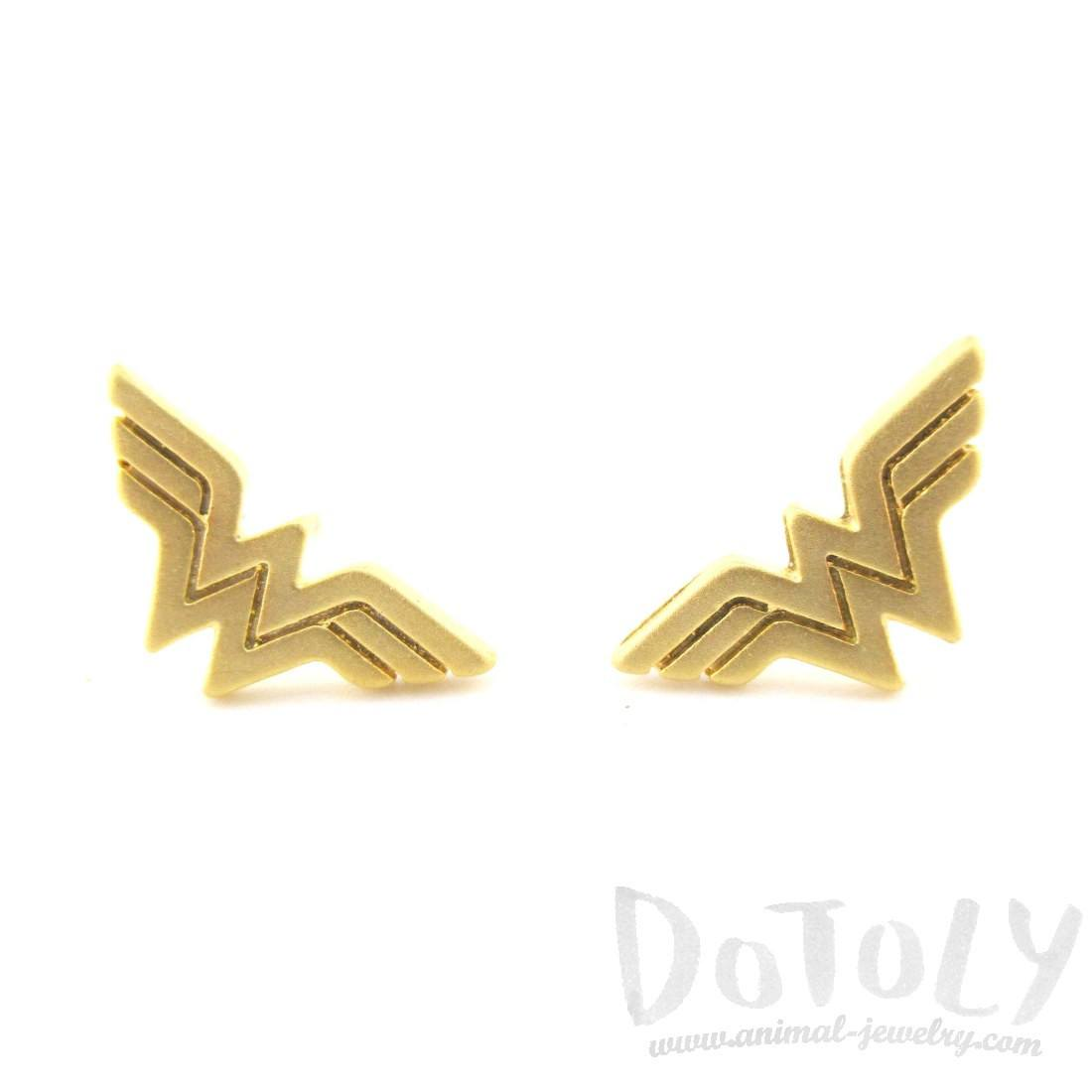DC Hero Wonder Woman Logo Shaped Stud Earrings in Gold