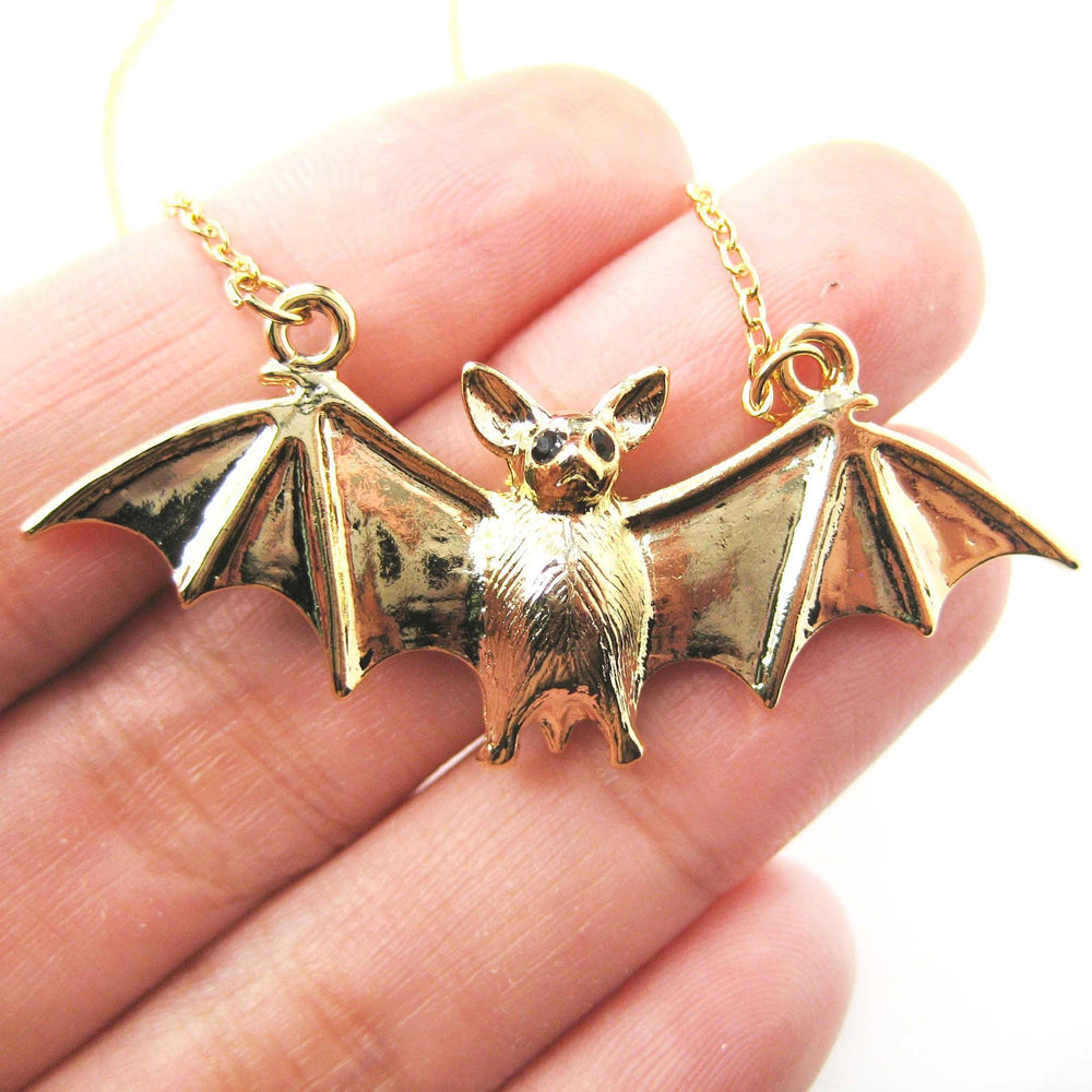detailed-bat-shaped-animal-pendant-necklace-in-shiny-gold-dotoly