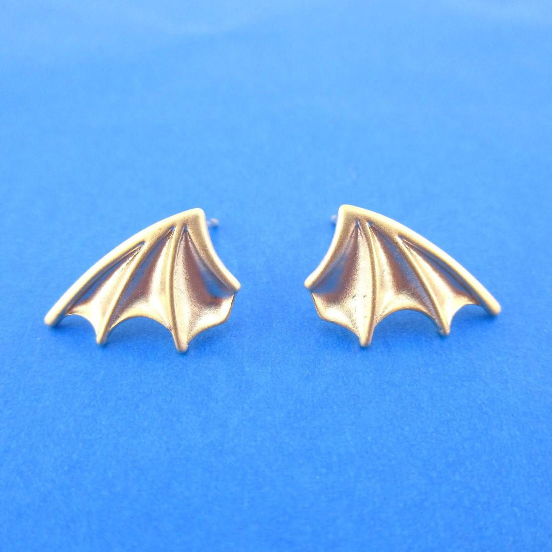 Detailed Bat Wings Shaped Stud Earrings in Gold