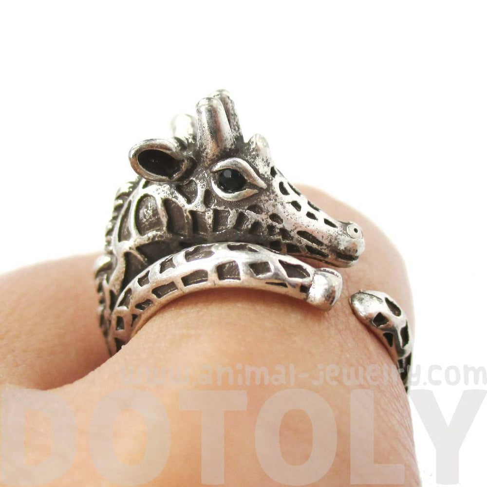 Detailed Giraffe Shaped Animal Print Ring in Silver | Animal Jewelry