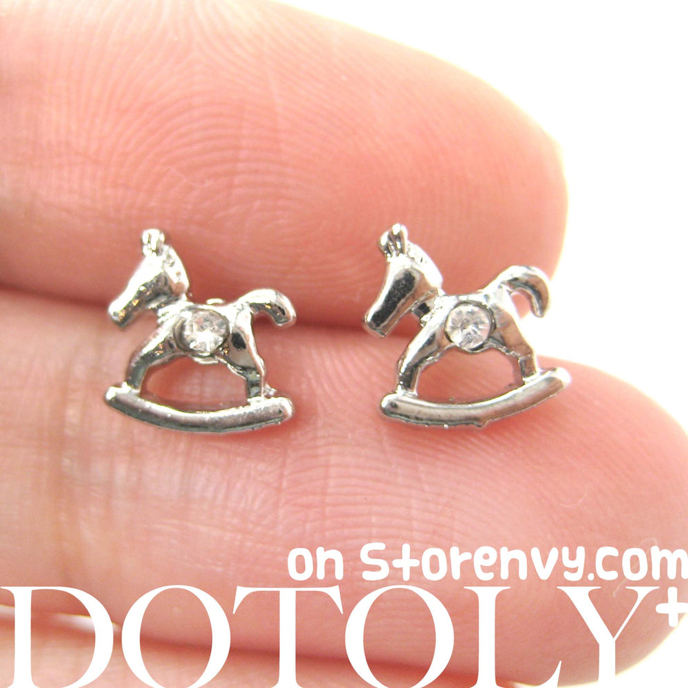small-rocking-horse-animal-stud-earrings-in-silver