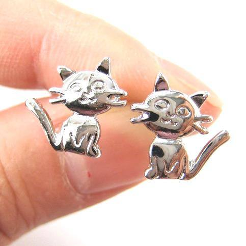 Adorable Kitty Cat Animal Shaped Stud Earrings in Shiny Silver | DOTOLY
