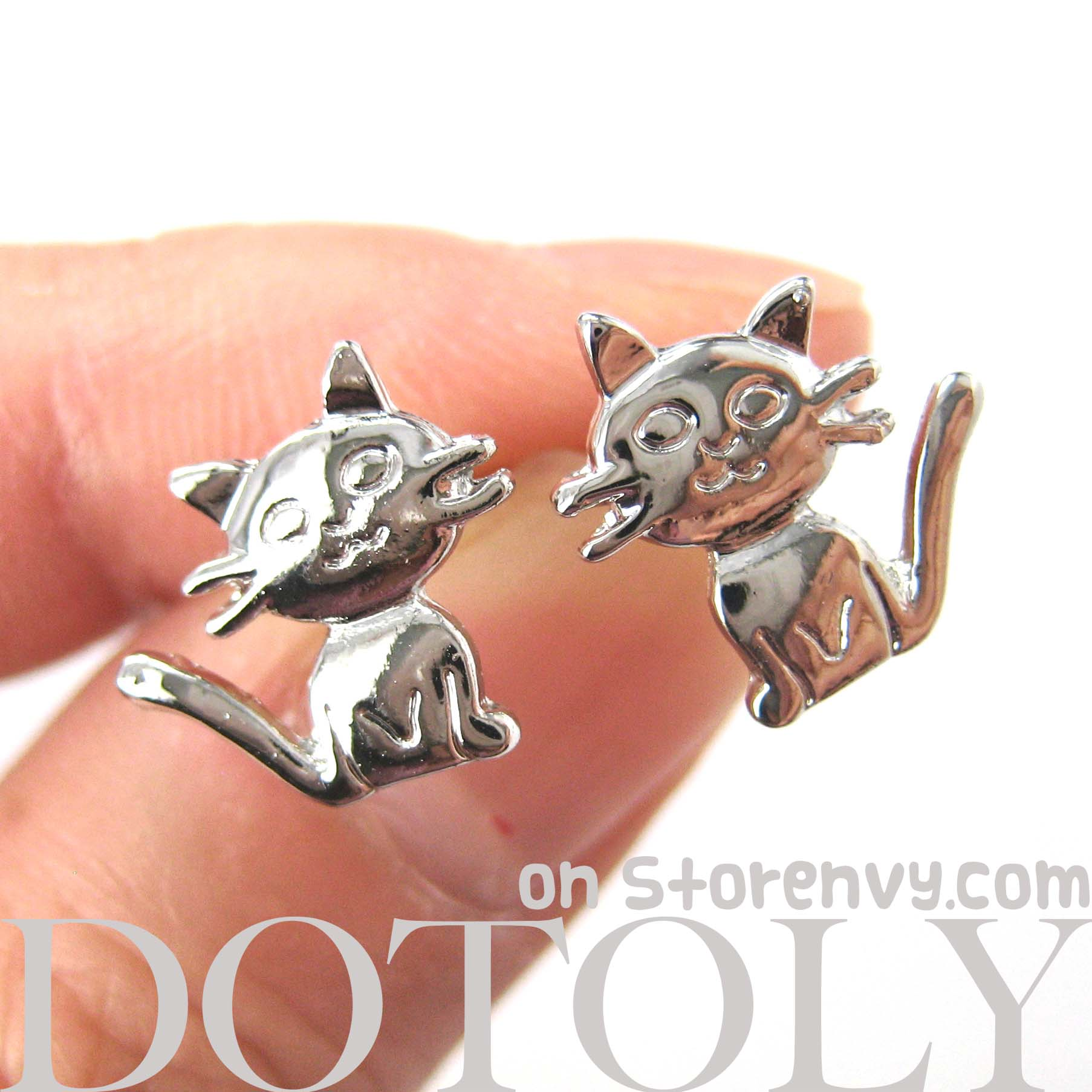 adorable-kitty-cat-animal-shaped-stud-earrings-in-shiny-silver