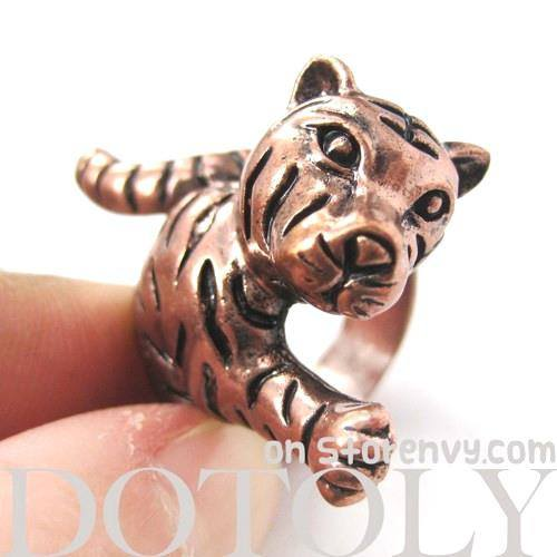 3D Tiger Shaped Animal Wrap Around Ring in Copper | US Size 7 - 9 | DOTOLY