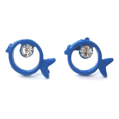 small-round-fish-sea-animal-stud-earrings-with-rhinestones-in-blue