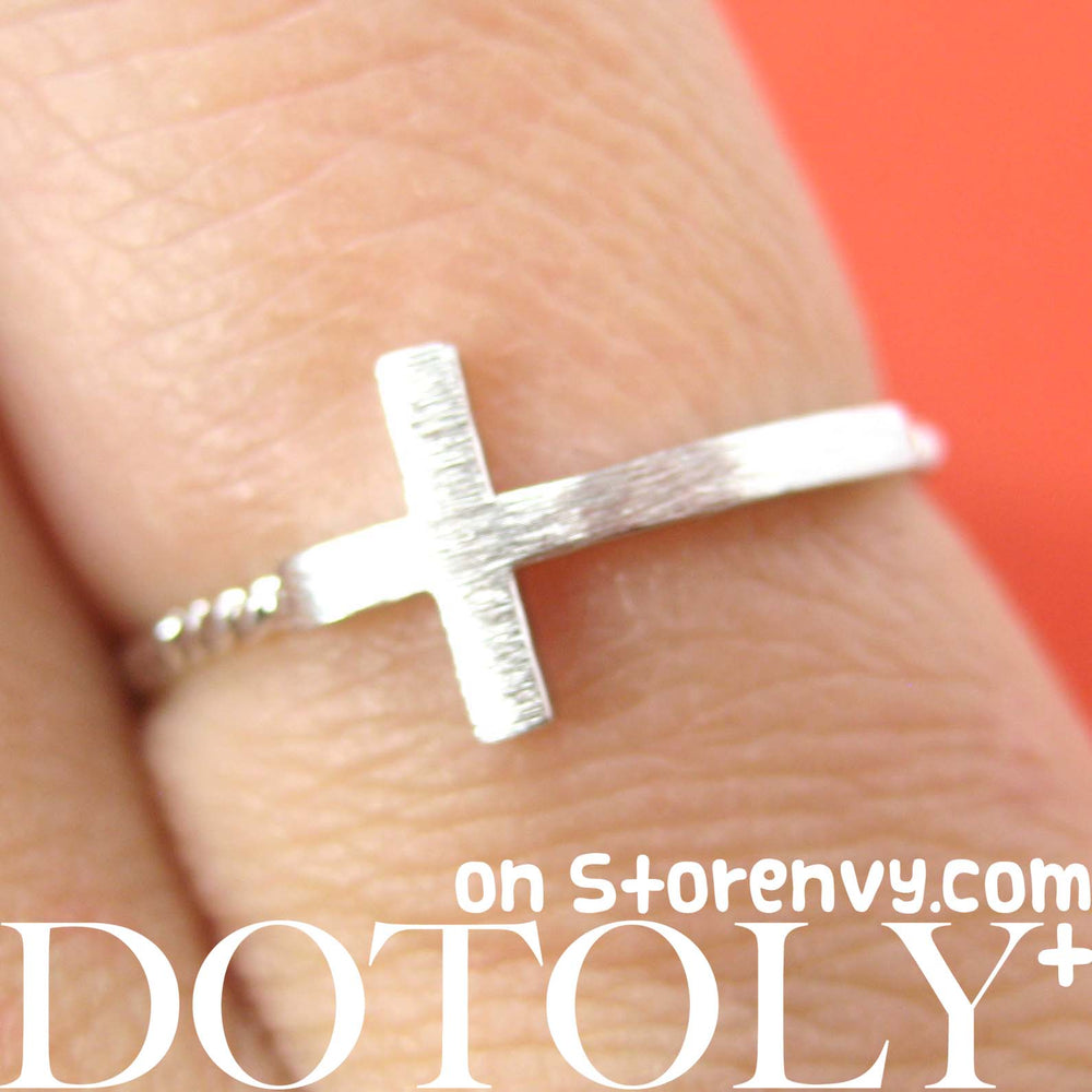 simple-cross-shaped-ring-in-silver-size-6-only
