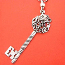 antique-skeleton-key-and-princess-crown-charm-necklace-in-silver