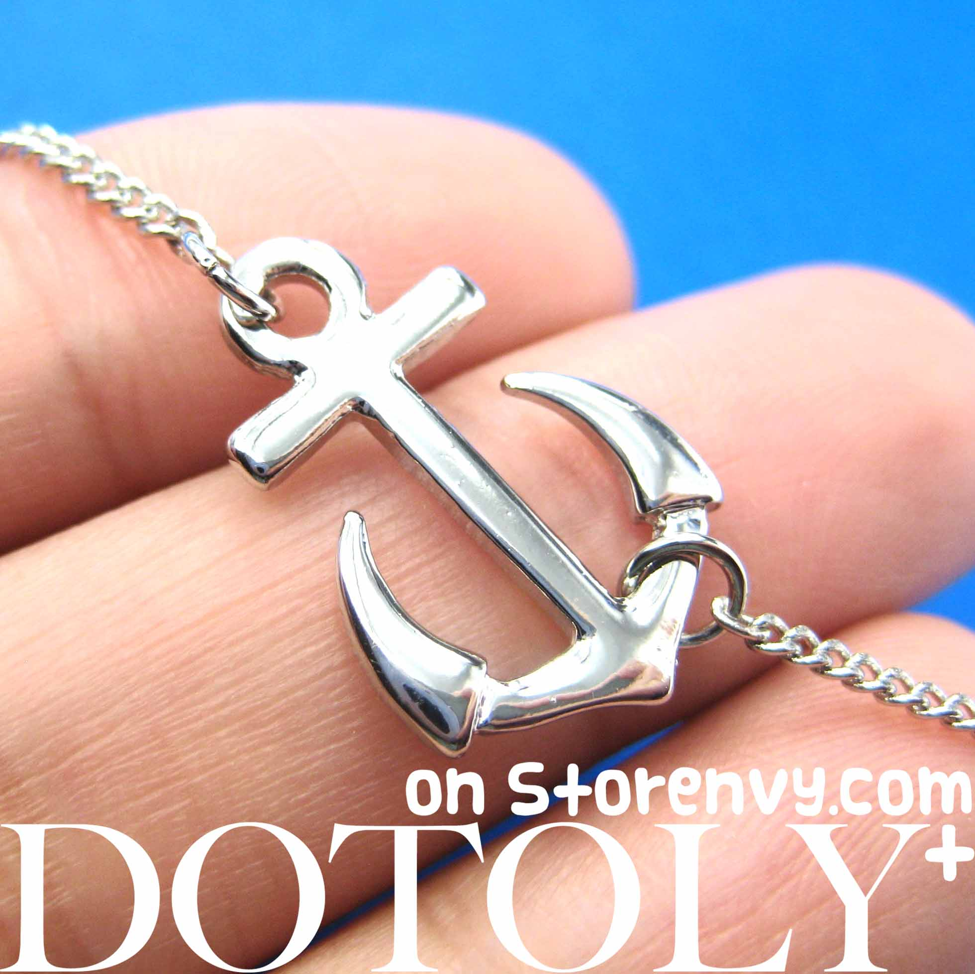 simple-anchor-nautical-navy-inspired-necklace-in-silver