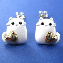 kitty-cat-animal-earrings-in-silver-with-gold-hearts-allergy-free
