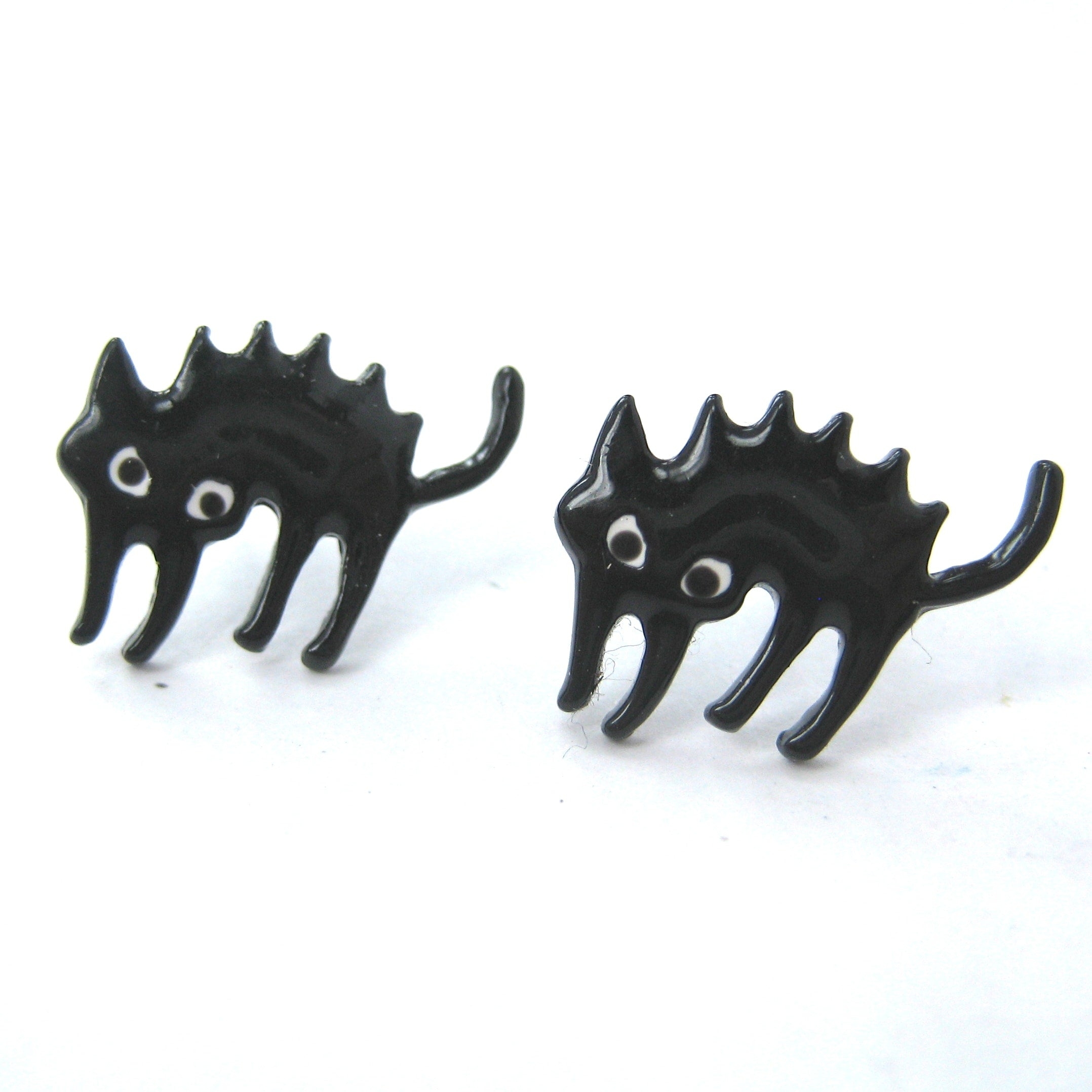 scaredy-cat-kitten-kitty-cat-animal-stud-earrings-in-black