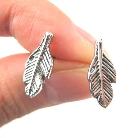 small-feather-stud-earrings-in-silver-with-textured-detail
