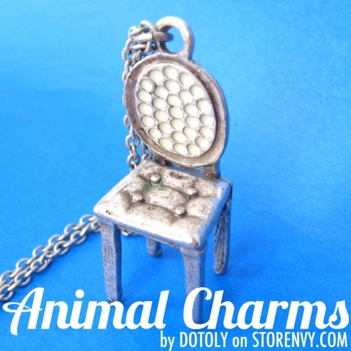 miniature-realistic-home-decor-chair-necklace-in-silver