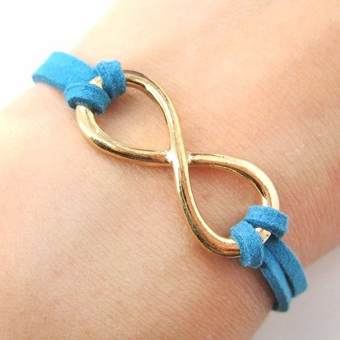 beautiful-infinity-loop-bracelet-in-gold-on-turquoise