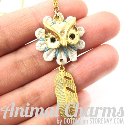 owl-bird-animal-feather-charm-necklace-in-gold