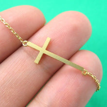 simple-cross-shaped-bar-bracelet-in-gold