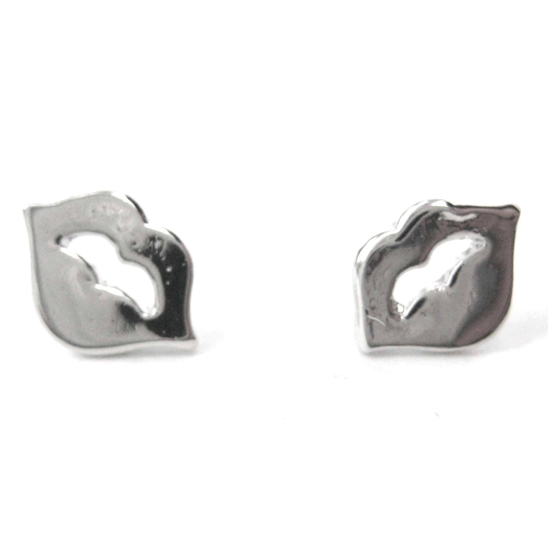 small-lips-and-tongue-stud-earrings-in-silver