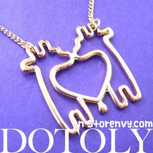 simple-giraffe-heart-love-animal-charm-outline-necklace-in-gold