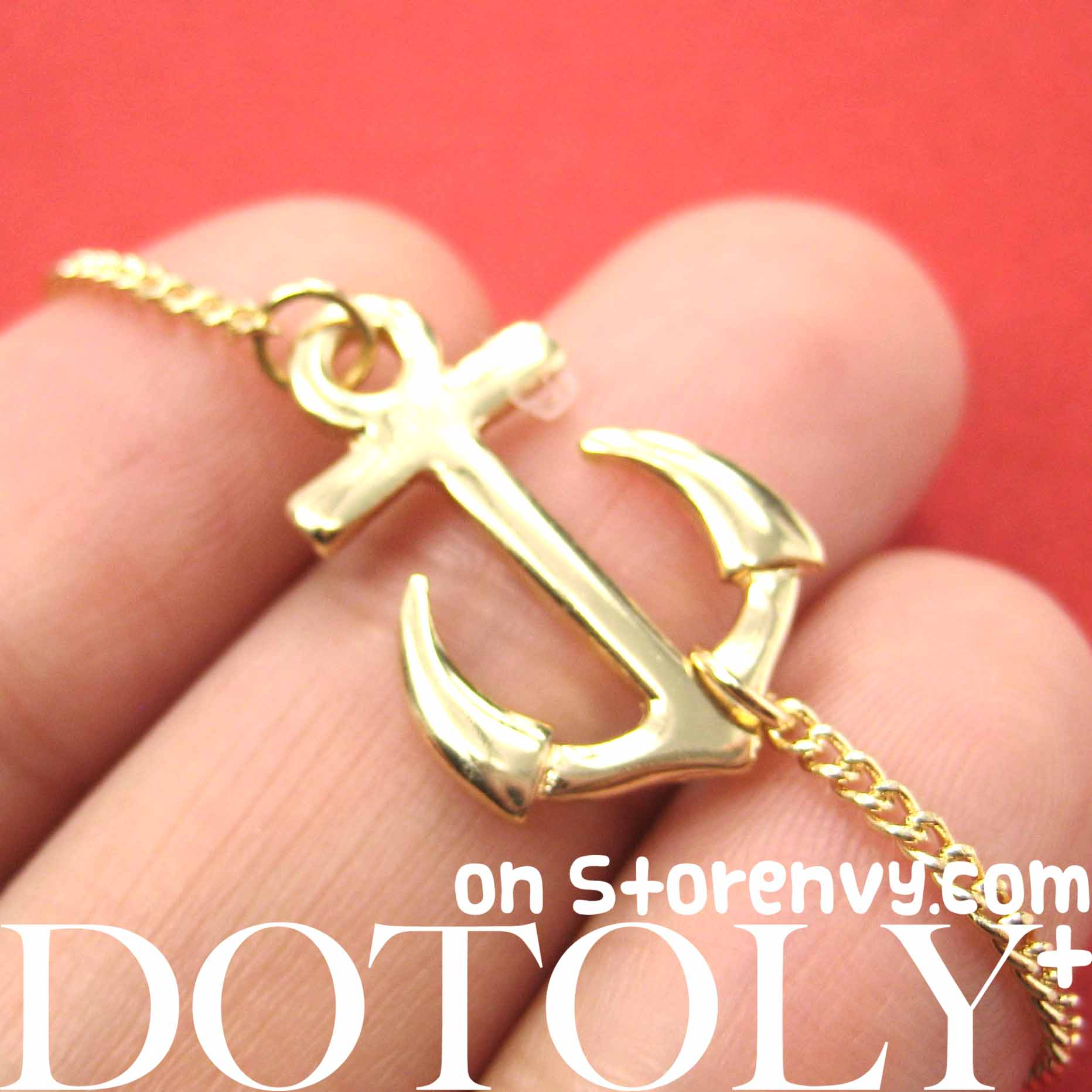simple-anchor-nautical-navy-inspired-necklace-in-gold