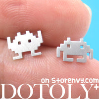 atari-space-invaders-alien-pixel-stud-earrings-in-silver