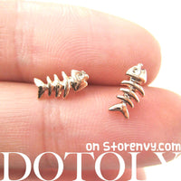 small-fish-bone-fishbone-animal-stud-earrings-in-rose-gold