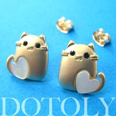 kitty-cat-animal-earrings-in-gold-with-pearl-heart-detail-allergy-free