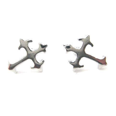 small-fancy-cross-shaped-stud-earrings-in-silver