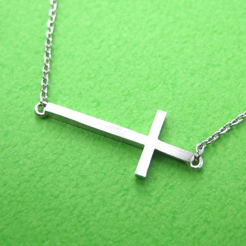 simple-cross-shaped-bar-bracelet-in-sterling-silver