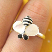 adjustable-bee-animal-ring-in-silver-with-pearl-wings-allergy-free