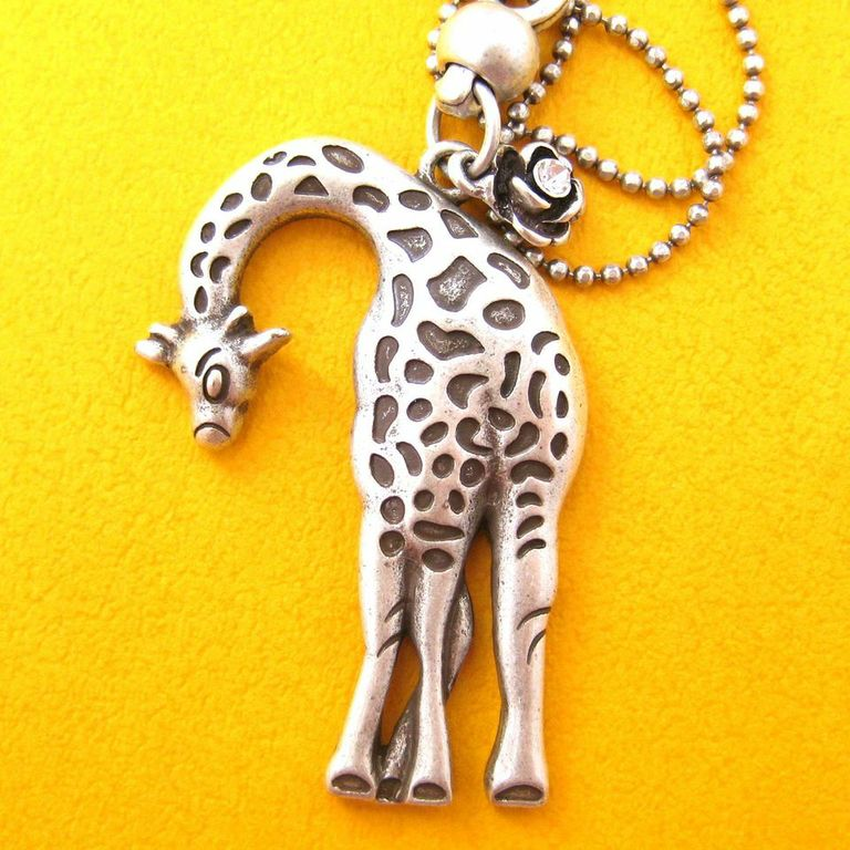 Giraffe Pendant Animal Necklace in Silver | Animal Jewelry | DOTOLY