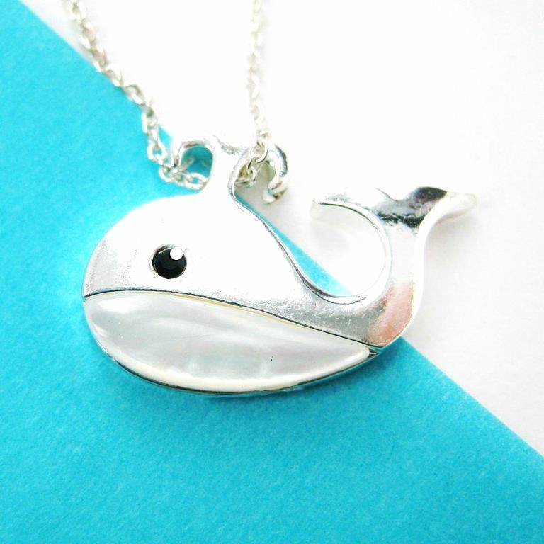 whale-sea-animal-charm-necklace-in-silver-with-pearl-detail